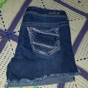 Amethyst shorts junior size 7